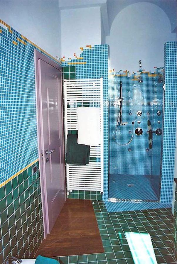 Foto bagno in mosaico di ristrutturazioni bagno bologna - Mosaici per doccia ...