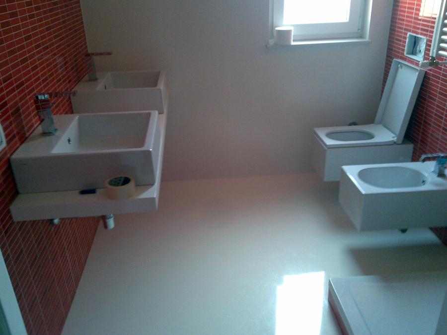 Foto bagno in resina di cellini fabio isolamenti 97669 - Resina in bagno ...
