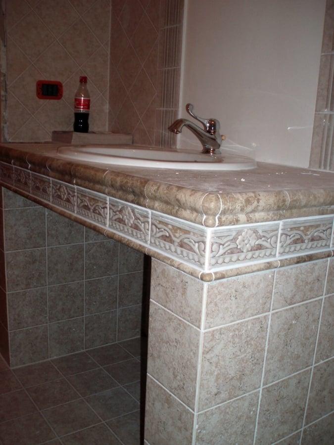 Foto bagno lavandino in muratura di cpo lavori e restauri for Prezzi lavabo bagno