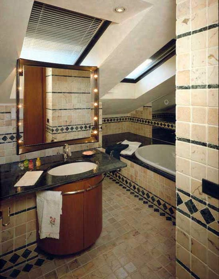 Foto bagno mansarda di tecno finiture di loris innella 74540 habitissimo - Bagno in mansarda ...