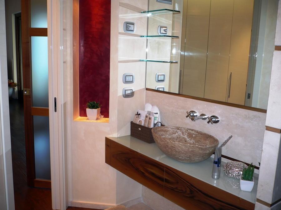 Foto bagno ospiti villetta bg de progetti arredi for Idea bagno trento