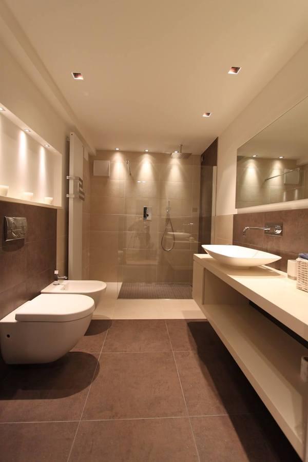 Foto bagno ristorante milano di la sorgente 271432 - Idee ristrutturare bagno ...