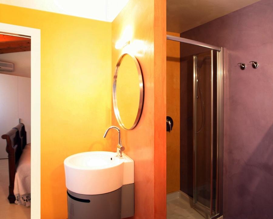Foto bagno rivestito in resina de gp resin style 102349 - Rivestimenti bagno in resina prezzi ...