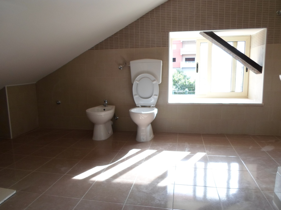 Foto bagno sottotetto di defs di sapone domenico 242050 habitissimo - Bagno sottotetto ...