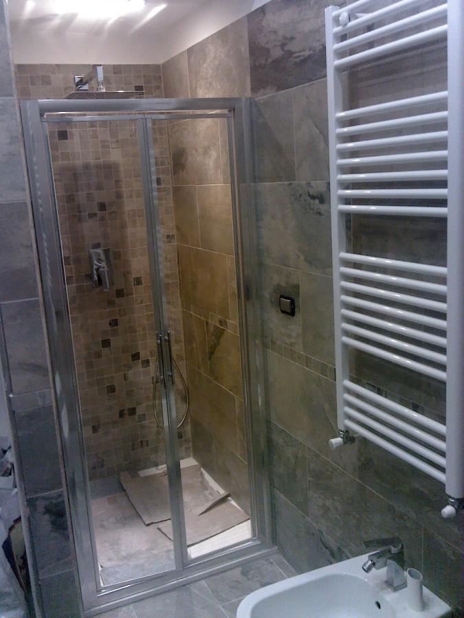 Foto bagno1 lato doccia di non solo edile 148356 habitissimo - Non solo bagno livorno ...