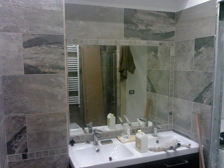 Foto bagno1 lato lavabo1 di non solo edile 148358 - Specchio bagno incassato ...