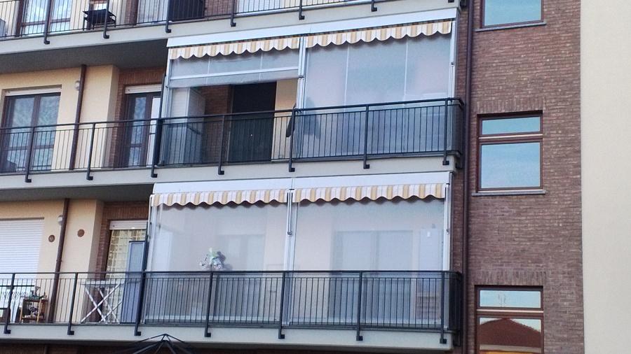 Foto: Balcone con Tende Veranda Vista Esterna di MG Tendefinestre ...