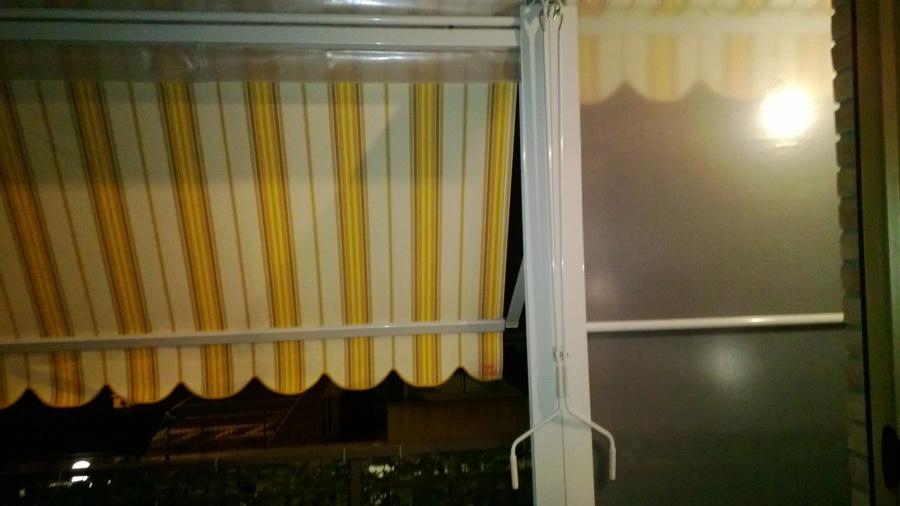 Foto: Balcone con Tende Veranda Vista Interna di MG Tendefinestre ...
