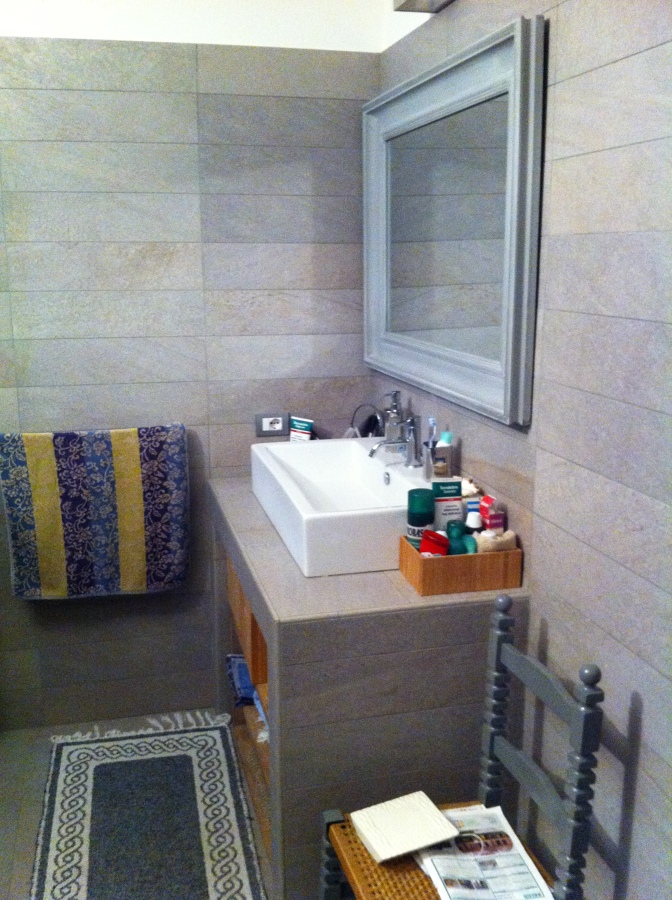 Foto: base lavabo in muratura rivestita di imek srl #207772 ...