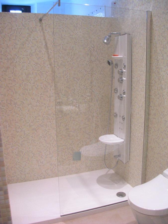 Foto Bathroom Design With Toto Di Fadesign 247930 Habitissimo