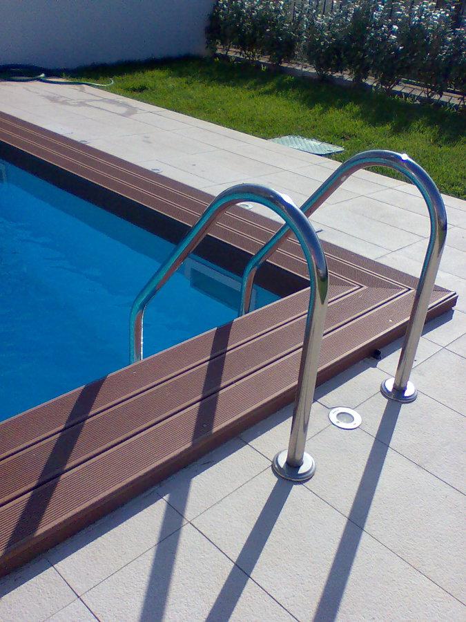 Foto bordo piscina di parquettando 153439 habitissimo - Bordo piscina prezzi ...