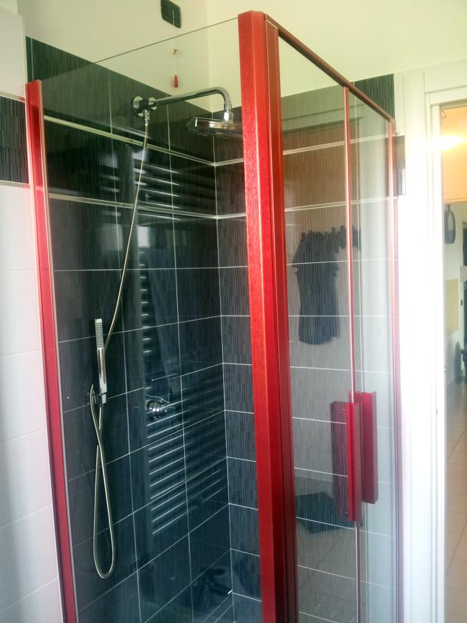 Foto box doccia di hidrobagno di pirola loredana 147318 - Foto box doccia ...