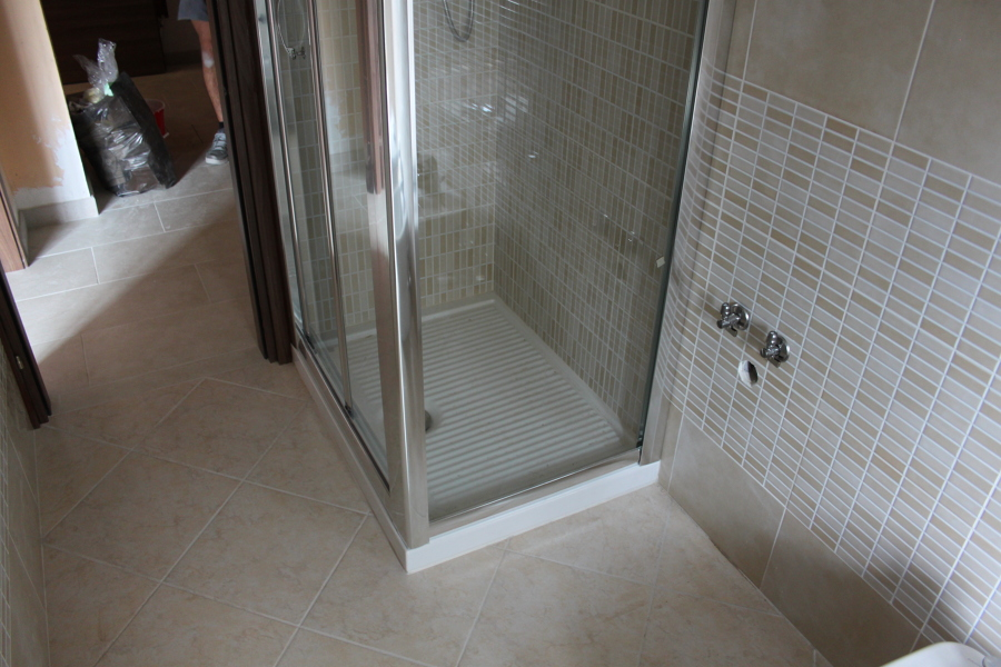 Foto box doccia di ristrutturazioni mario 218566 for Foto box doccia