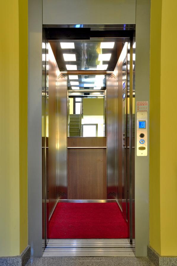 Foto cabina acciaio legno di ii srl 209031 for Cabina di legno