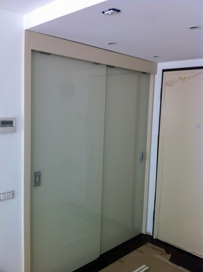 foto cabina armadio in nicchia di cartongesso di