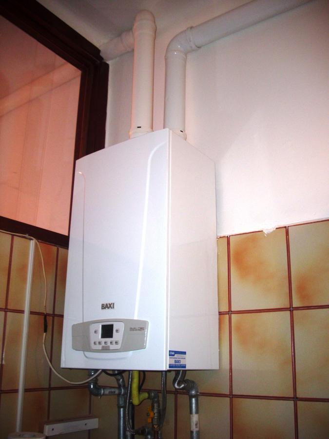 Foto caldaia a condensazione da interno de gruppo h2o for Caldaia da interno