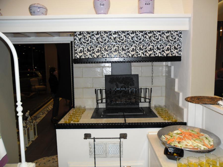 Foto caminetto da cucina di benigno caminetti 46634 - Camino in cucina ...