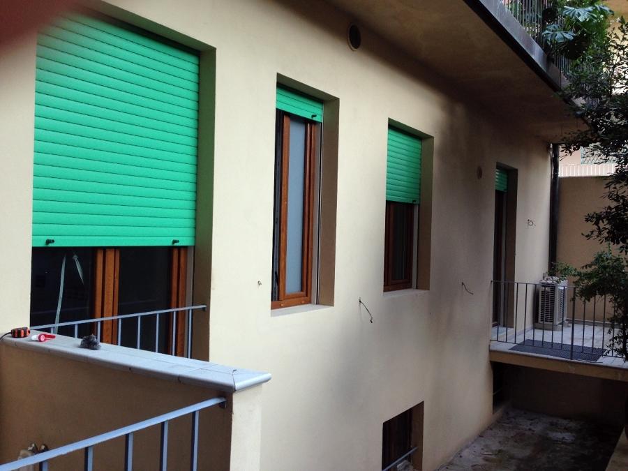 Foto cantiere firenze corso d 39 italia di i l group srl 133520 habitissimo - Finestre pvc bianche ...