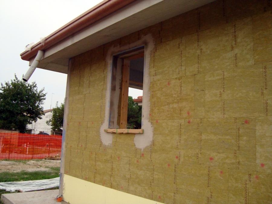 Foto casa postioma isolamento in lana di roccia di ditta for Piani di casa di roccia