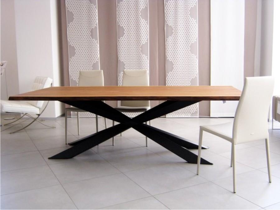 Foto cattelan italia tavolo spyder di mastro arredamenti for Aloi arredamenti