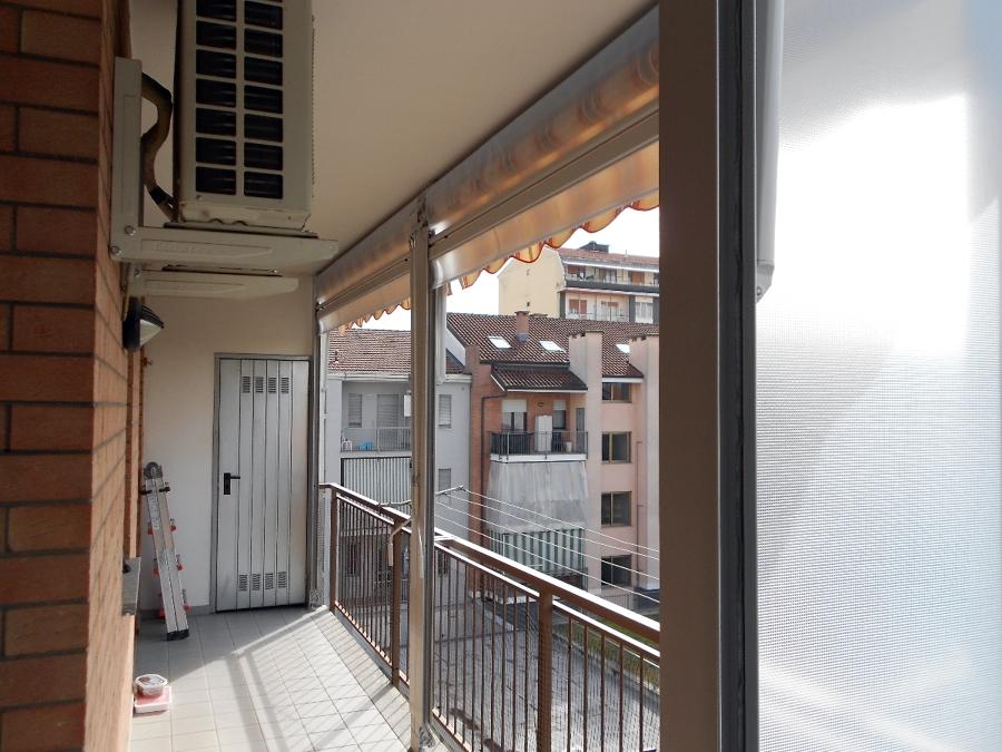 Foto chiusura completa balcone con tenda veranda doppio - Porta balcone pvc prezzi ...