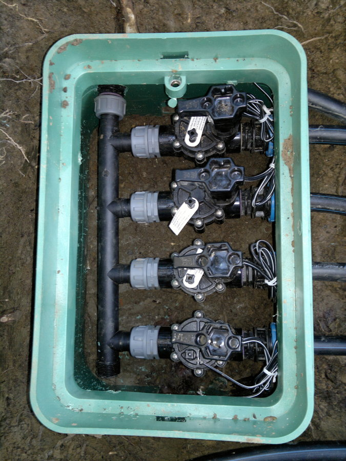 Foto collettore imp irrigazione de l c 50702 habitissimo for Elettrovalvole per irrigazione