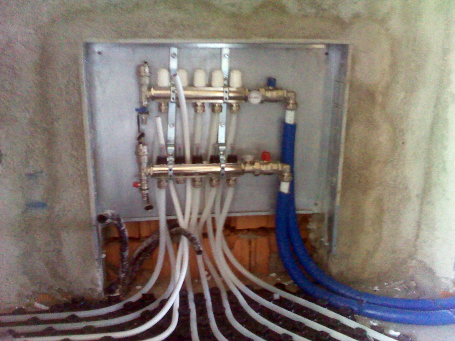 Foto: Collettore Impianto di Riscaldamento a Pavimento di B.g.d. #81730 - Habitissimo