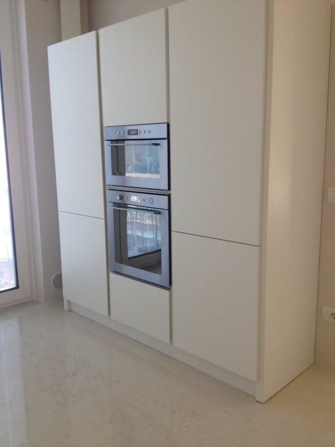 Foto colonna frigo e forno di caporali moreno - Cucine senza pensili sopra ...