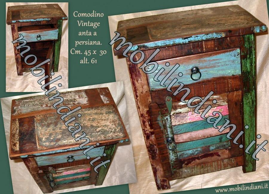 Foto comodino legno riciclato de mobili etnici 146012 for Mobili etnici roma
