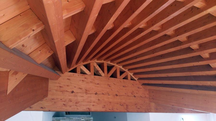 Copertura in legno curva - Appartamento residenziale