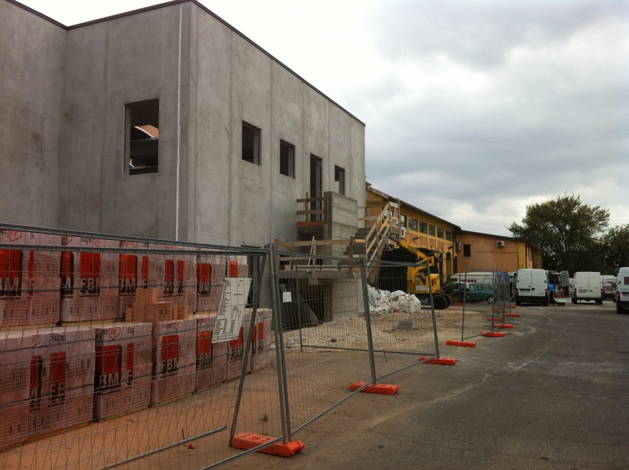 Foto costruzione capannone metri 2500 di gieffe s r l for Capannone di 300 metri quadrati