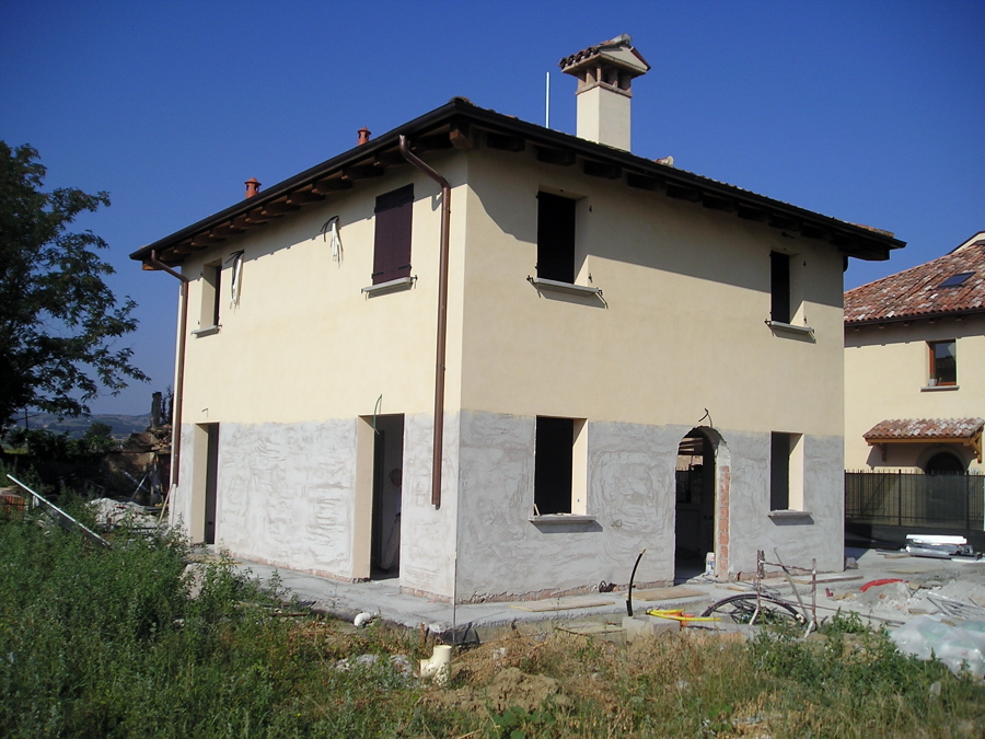 foto costruzione di una casa singola a bologna di