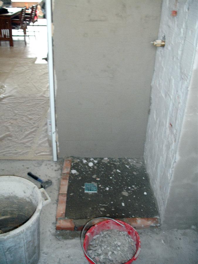 Foto creazione di piatto doccia in muratura in fase d for Box doccia in muratura foto