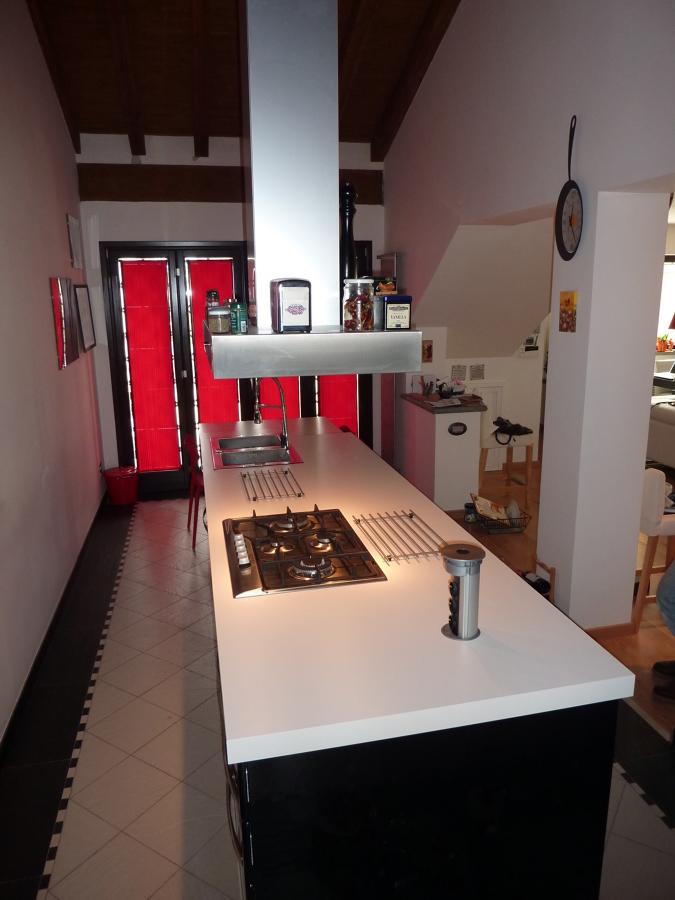 Foto cucina ad isola altra veduta espamen costruzioni di espamen costruzioni srl 139222 - Cucina ad isola ...