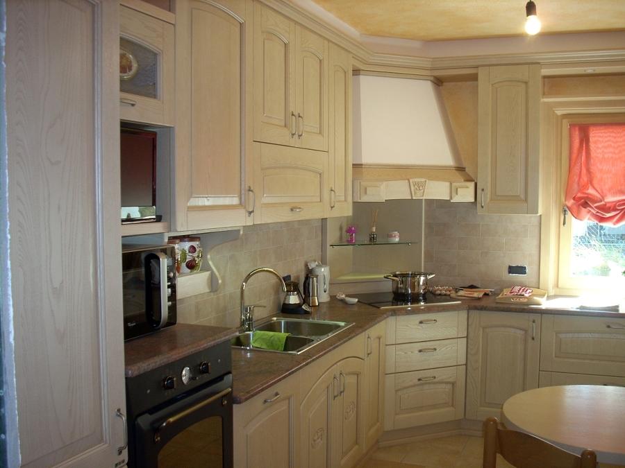 Foto cucina angolo mod barchessa de ub4 arredamenti for Bea arredamenti