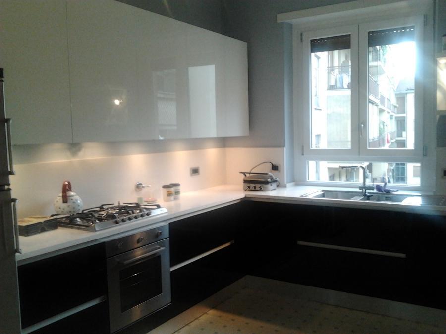 Foto cucina con ante in vetro laccato lucido di life - Ante in vetro cucina ...