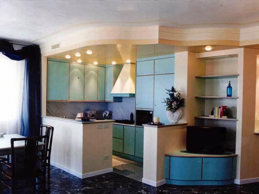 Foto cucina con pareti e soffitto in cartongesso di trevi - Cartongesso per cucine moderne ...