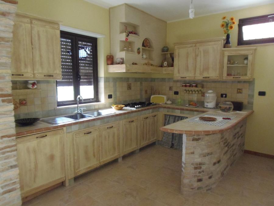Foto cucina country mod jennifer di falegnameria macr - Piastrelle cucina country ...