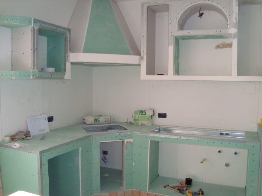 Foto cucina in muratura in cartongesso part 1 di iride di giuseppe romano 173257 habitissimo - Lavori in cartongesso in cucina ...