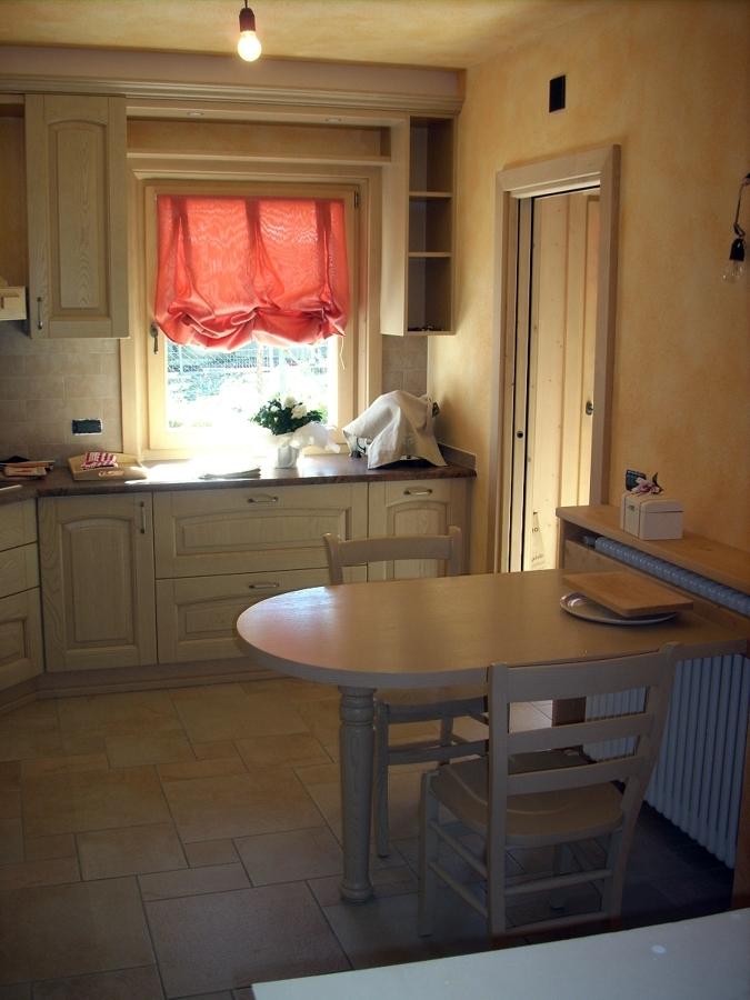 Foto cucina mod barchessa con penisola di ub4 - Penisola per cucina ...