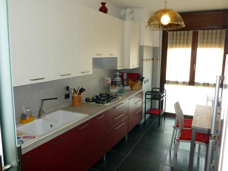 foto cucina ristrutturata di artigiana extra srl 97455