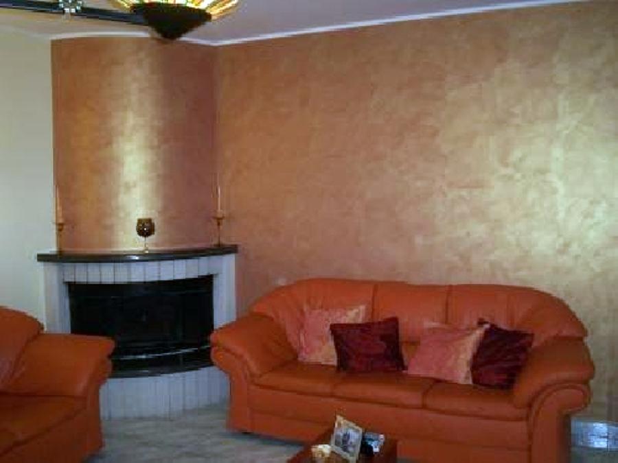 Foto Decorazione Con Pittura Iridiscente In Un Salotto Di