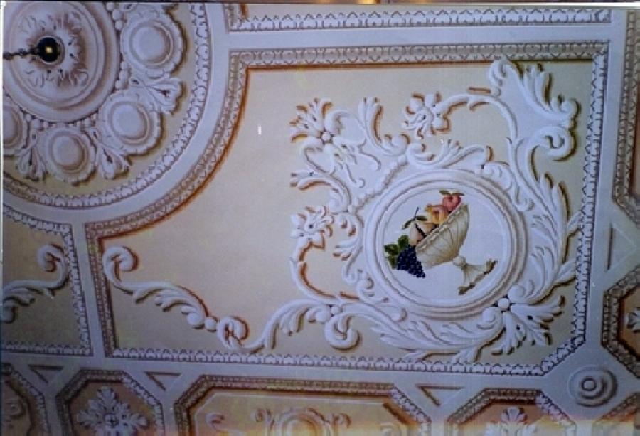 Decorazione pittorica su soffitto (realizzata con la tecnica del chiaroscuro dalla De.Co di Davide Lorrai)