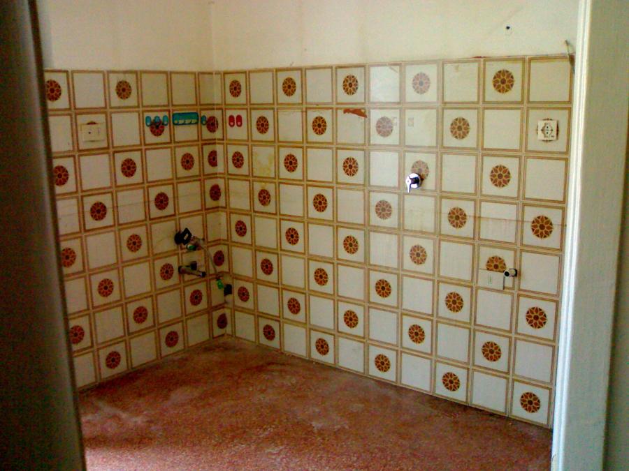 Foto demolizione vecchie piastrelle di impresa edile genova 52212 habitissimo - Vendita piastrelle genova ...