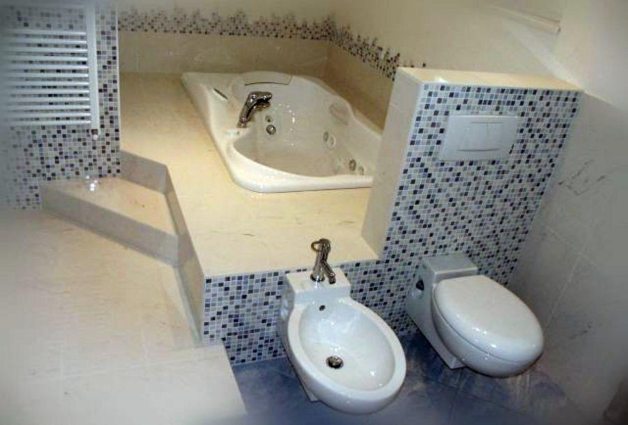 Foto design bagno mosaico di sinibaldi ristrutturazioni 130201 habitissimo - Finto mosaico bagno ...
