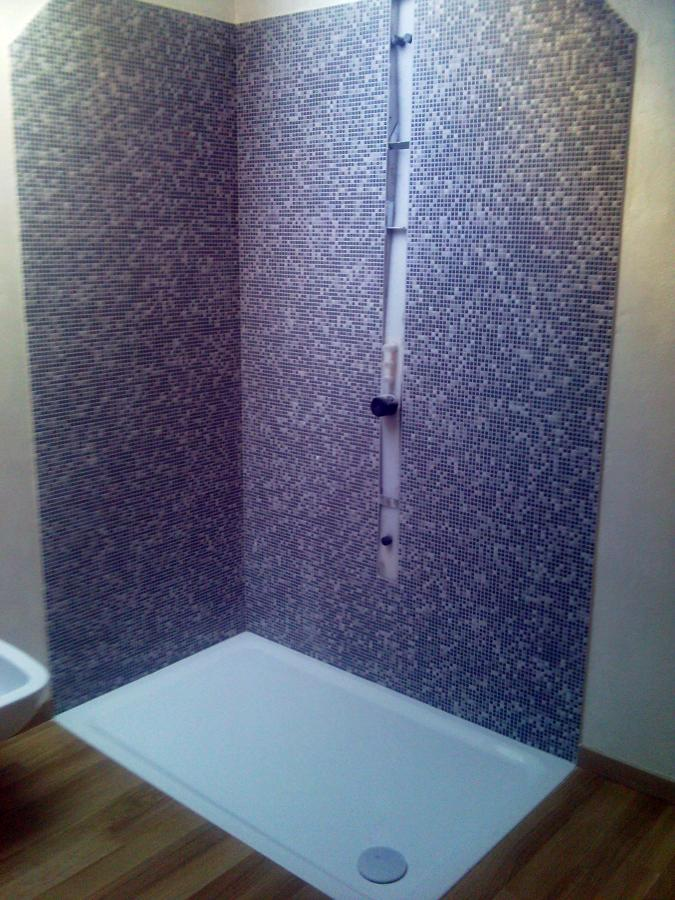 Foto doccia con mosaico di nifra 98935 habitissimo - Mosaico per bagno doccia ...