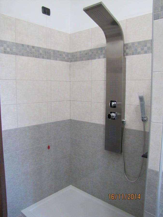 Foto doccia con parete in vetrocemento di amantea luigi - Piastrelle vetrocemento ...