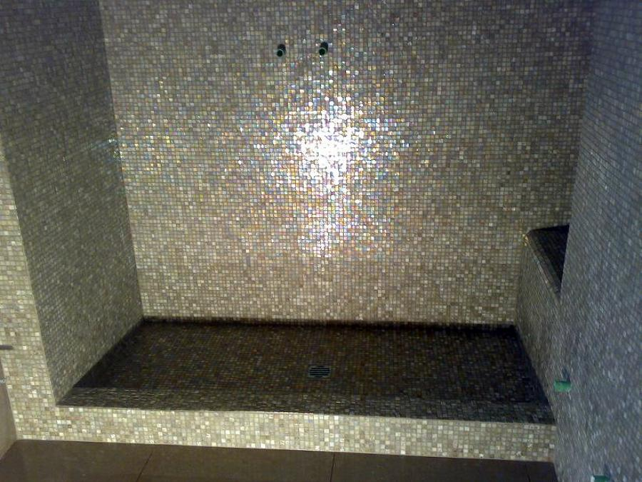 Foto doccia in muratura mosaico di sinibaldi ristrutturazioni 130202 habitissimo - Piatto doccia mosaico ...