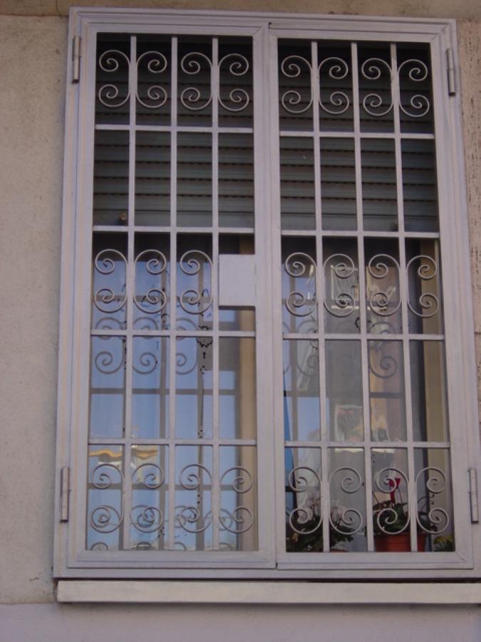finestra di sicurezza in ferro