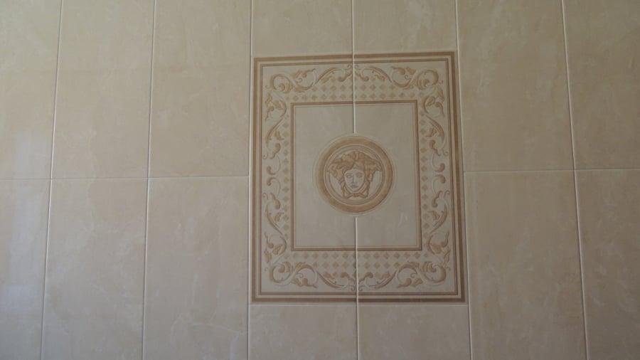 Foto quadro in piastrelle versace di edil b c 446611 habitissimo - Stock piastrelle versace ...